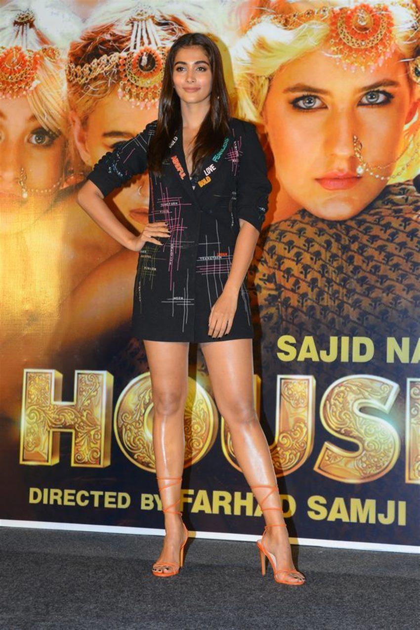 actress pooja hegde hd photos