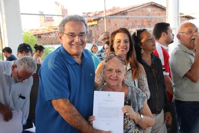 694 MORADORES RECEBEM ESCRITURAS DE SEUS IMÓVEIS NA ZONA NORTE DE NATAL