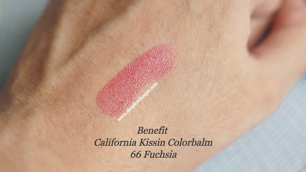 foto swatch benefit california kissin colorbalm fuchsia di kulit tangan