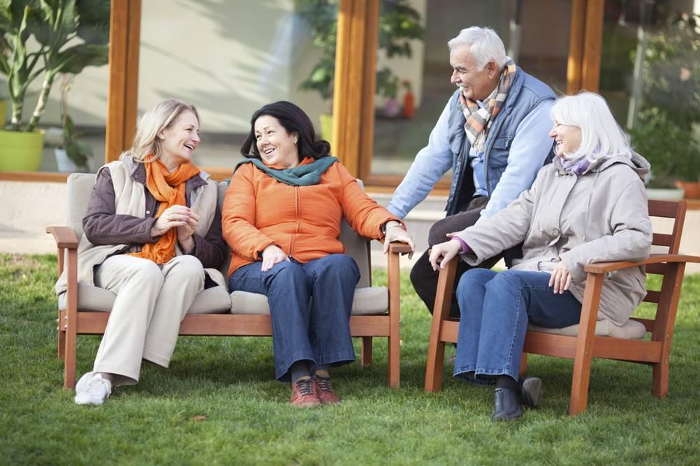 Aceitar a idade que tenho - convivência com pessoas da mesma idade