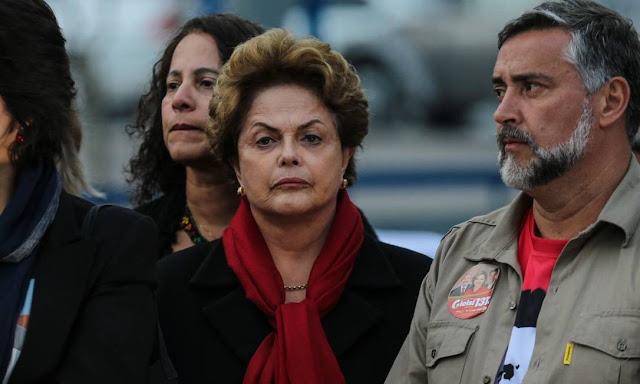 Dilma, ex presidente do Brasil, que sofreu impeachment por improbidade administrativa