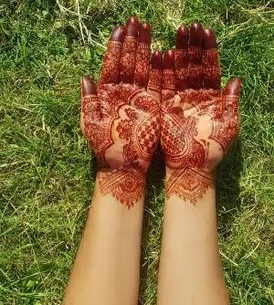 short-full-hand-henna-pattern