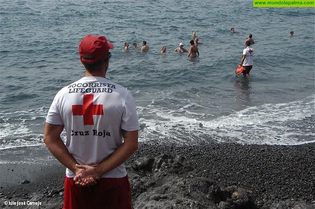 Cruz Roja Española está presente este verano en 14 playas de la provincia tinerfeña