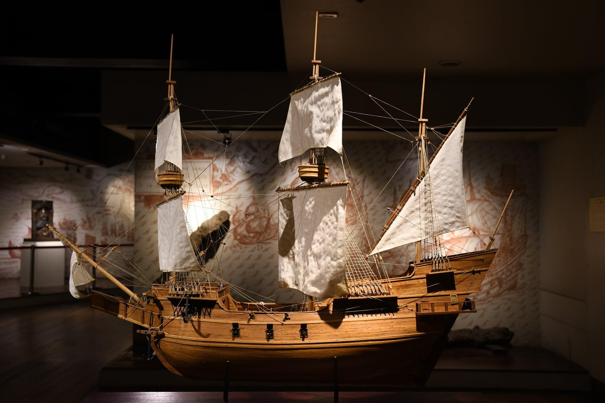 galleon ship with sails replica