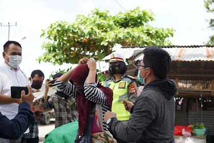 Peringati HPN, Wartawan Lobar Gandeng Polres dan Dewan Bagi-bagi Masker