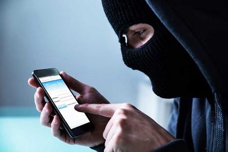 قرصنة إلكترونية تسرق بيانات الهواتف في ماليزيا