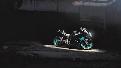 suzuki-gsxr-hayabusa-sportbike-photo-wallpaper