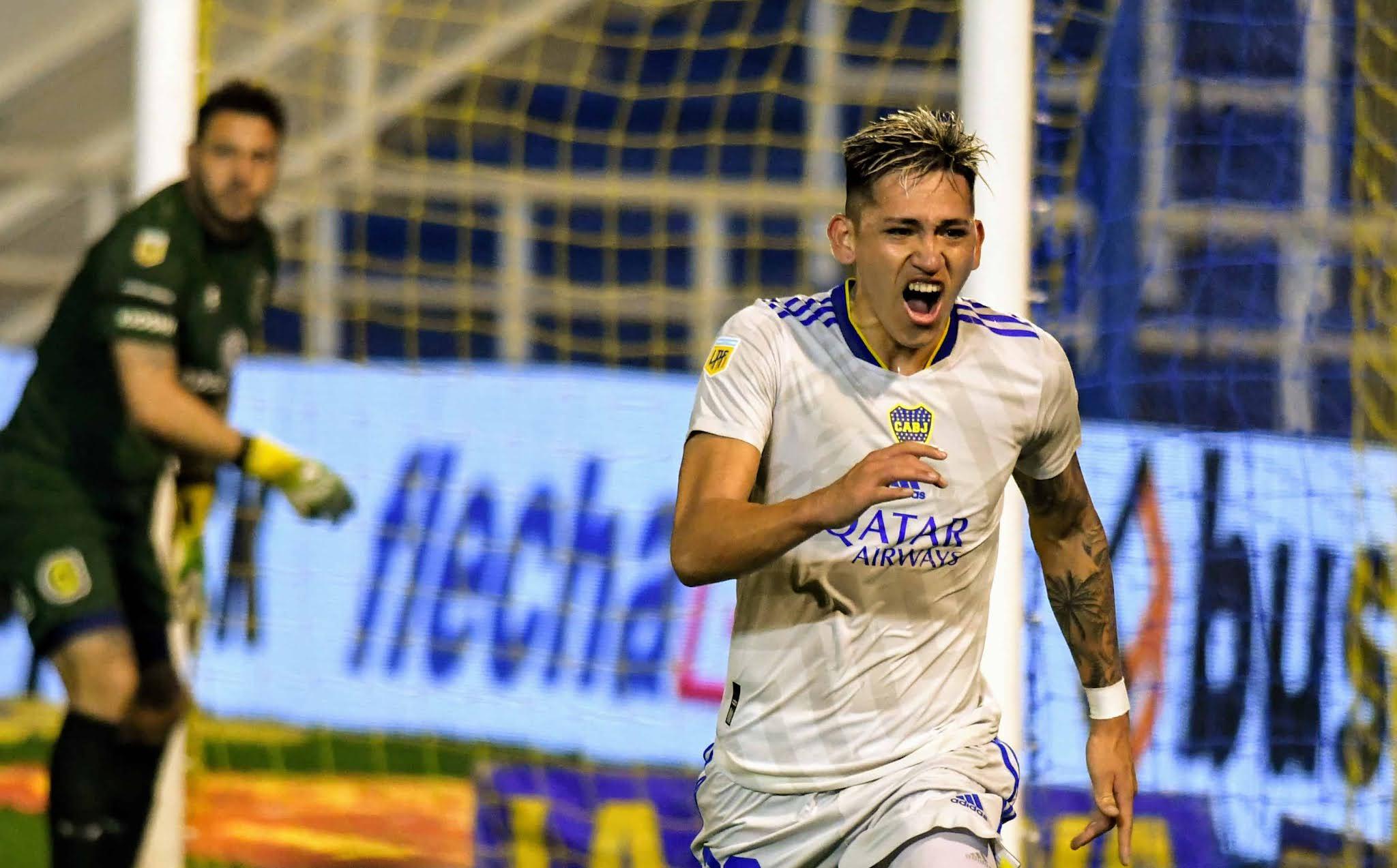 Boca venció a Rosario Central sobre el final y acentuó su levantada
