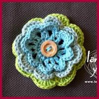 Flor de tres capas a crochet