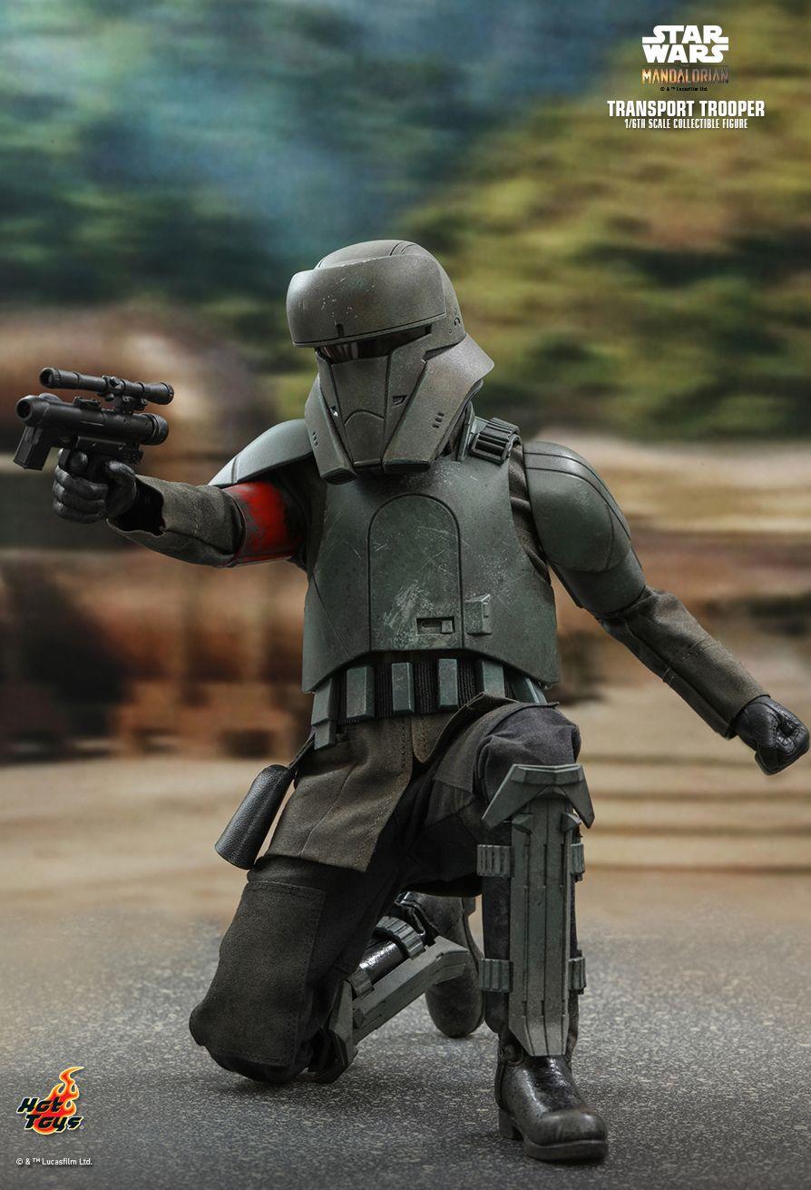 The Mandalorian Transport Trooper Hot Toys