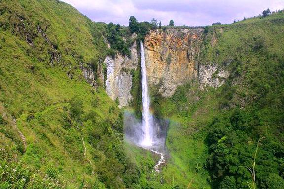 Gambar Air Terjun Sipiso-piso Di Sumatera Utara