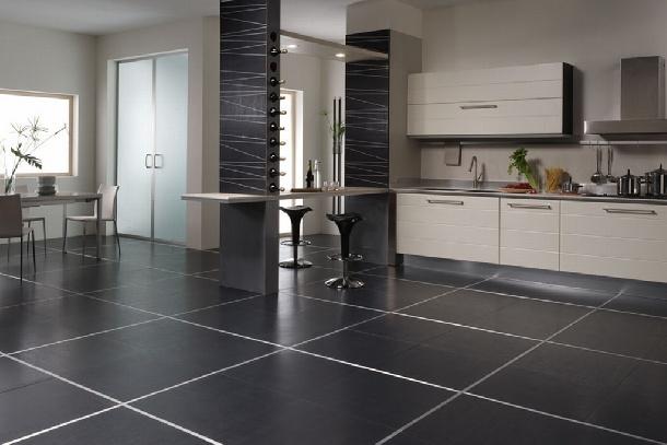 Pavimentare con piastrelle di grandi dimensioni casa servizi
