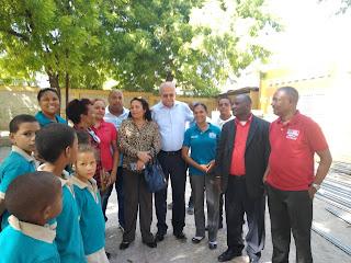 Escuelas del distrito Educativo 0104 se benefician con aulas móviles