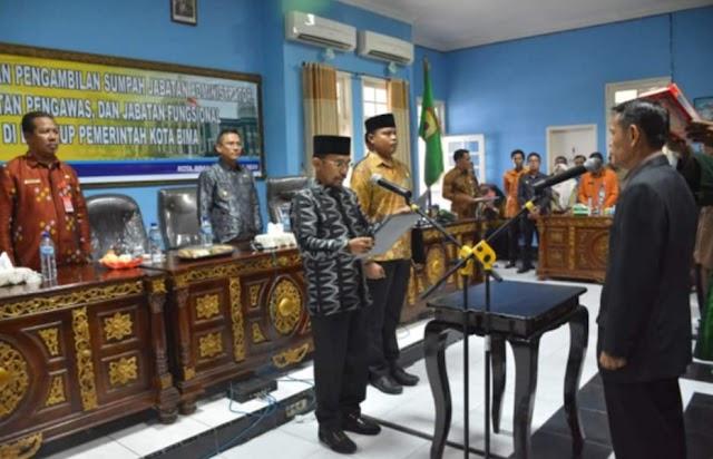 Didampingi Wakil Walikota, Walikota Bima Lantik Ratusan Pejabat Struktural dan Fungsional