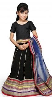 Gaun pesta anak perempuan gaya india