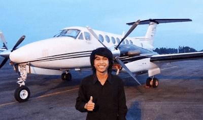 pengusaha muda travel
