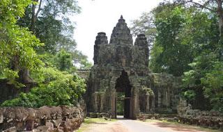 Angkor Thom, Puerta de la Victoria.