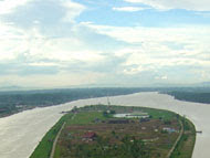 Taman Wisata Pulau Kumala Dan Jembatan Repo-Repo