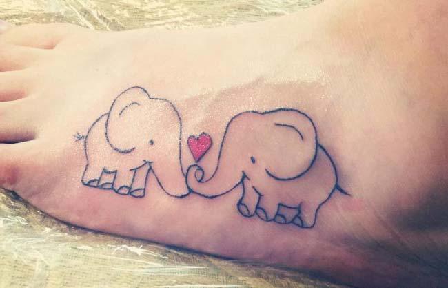ayak aşık fil dövmesi