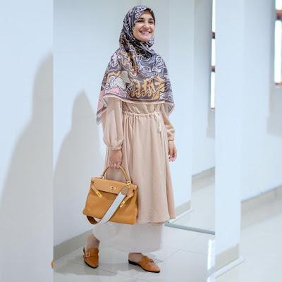 gaya gamis muslimah shireen sungkar 2019