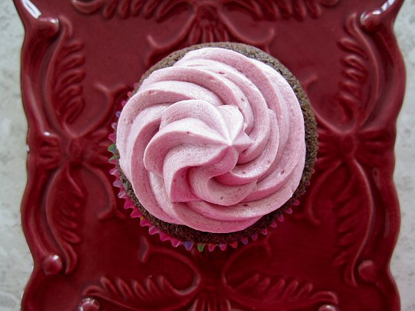 Mission: Food: Chocolate Cupcakes with Red Wine Buttercream