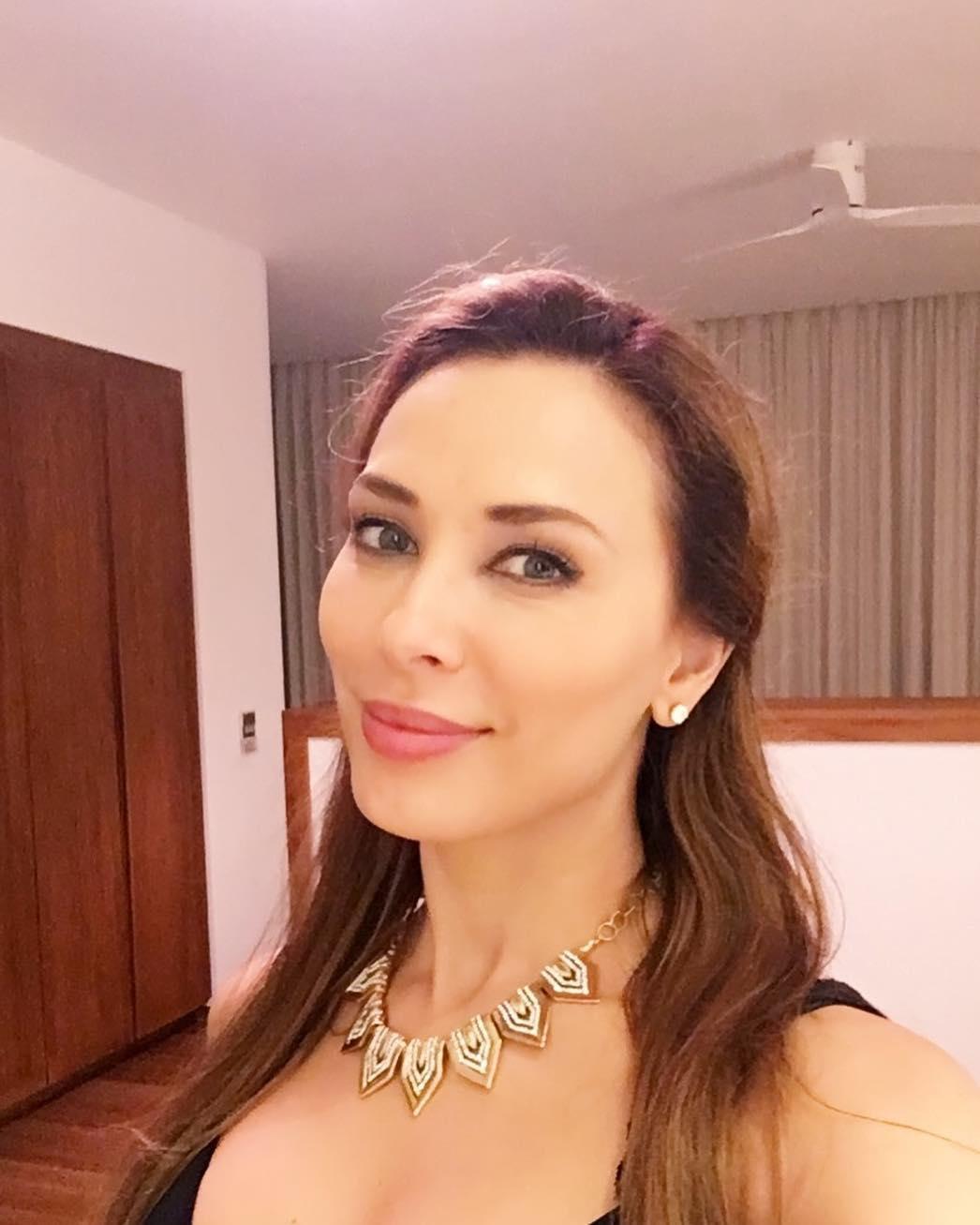 Iulia Vantur - stunning necklace