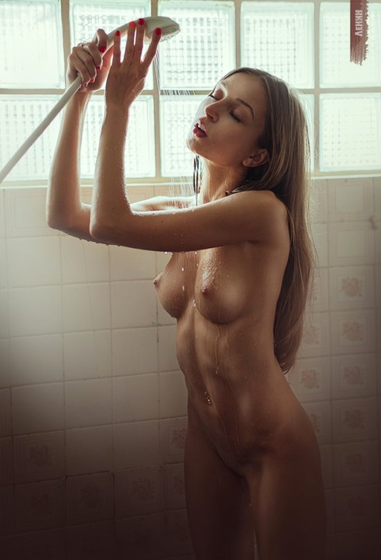 Sexy Naked Women In Shower