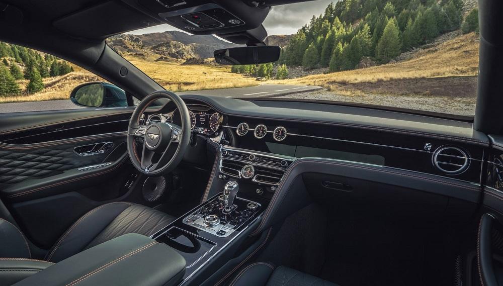 Bentley Spur Flying 2020