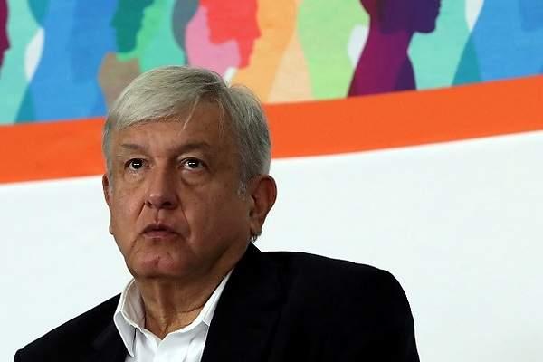"""Petición de renuncia a AMLO en Change.org  """"por mentir e ineptitud"""" supera por más de 300 mil firmantes a la que tuvo Peña Nieto en su sexenio"""