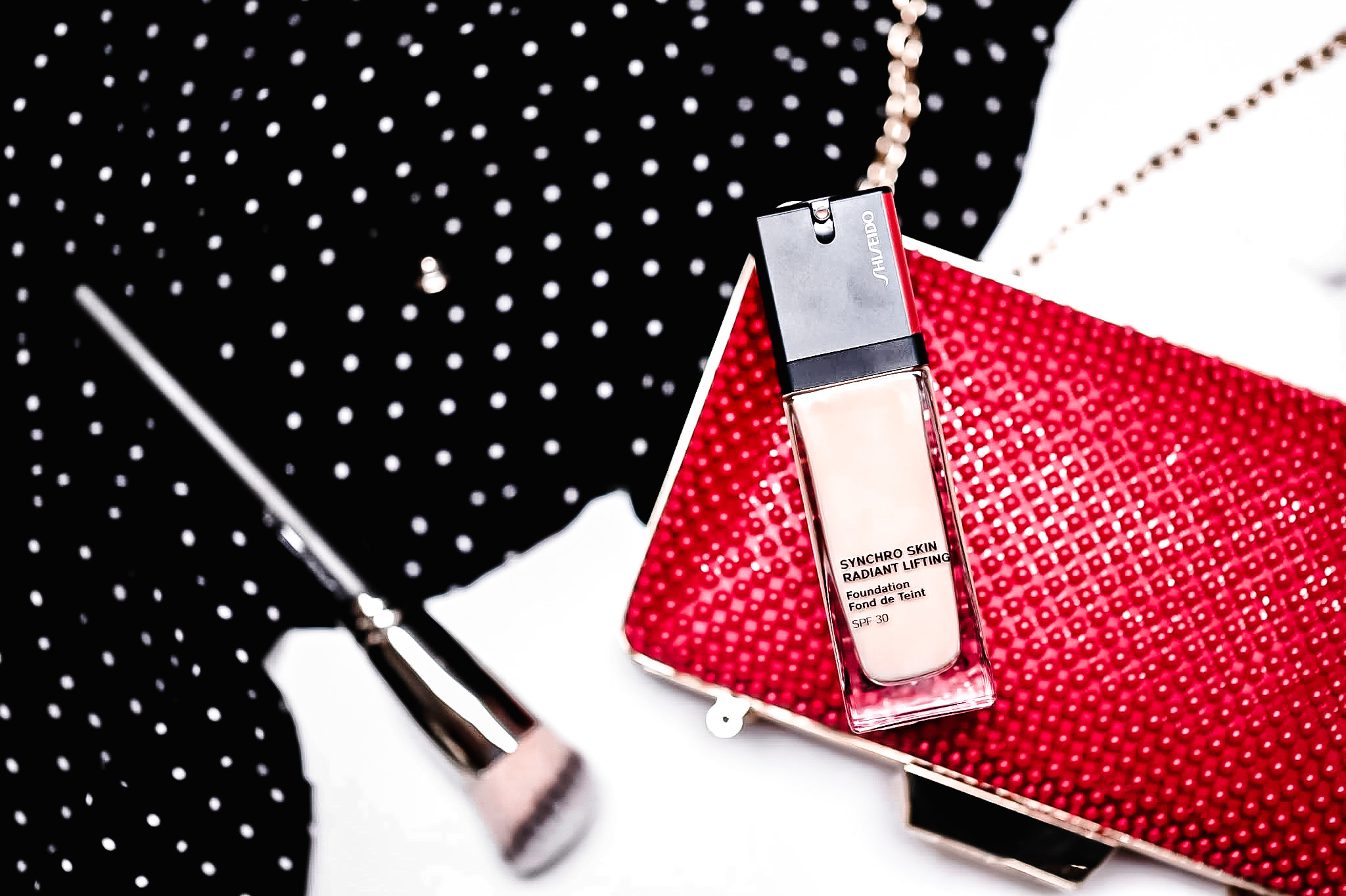 Shiseido Synchro Skin Radiant Lifting Font de Teint