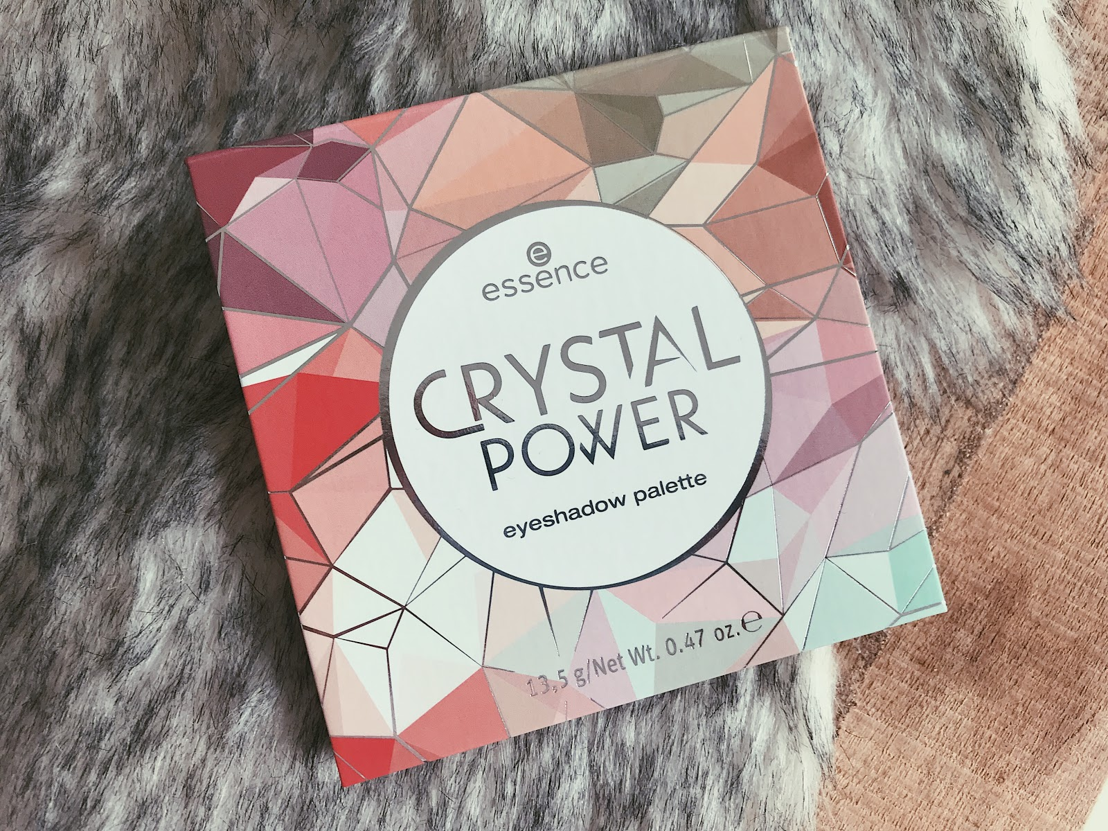 Essence Crystal Power eyeshadow palette herfst/winter