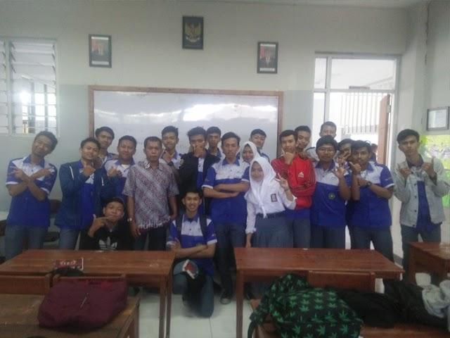 SMK Medikacom Bandung Terapkan Model Pembelajaran Campuran
