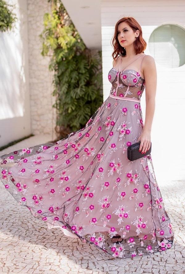 vestido longo rosa com tule bordado