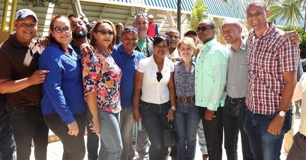 EN SAN JUAN DE LA MAGUANA: Diputada Lucia Medina sirvio de enlace para que el centro UASD San Juan sea asfaltado.