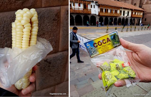 Choclo (milho) e balas de coca em Cusco, Peru