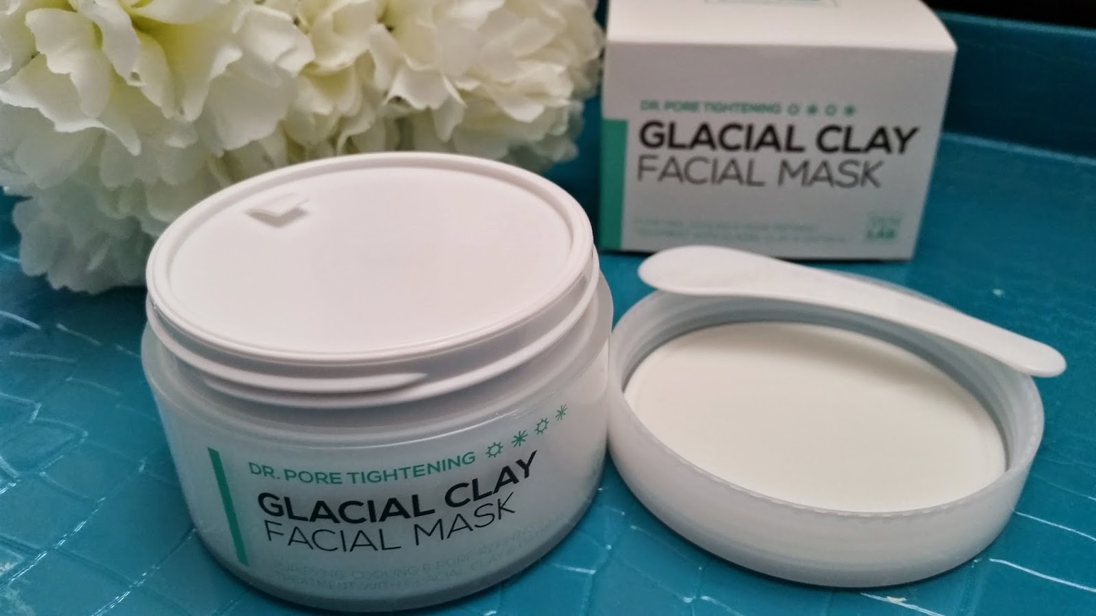 glacial clay packaging ans spatula