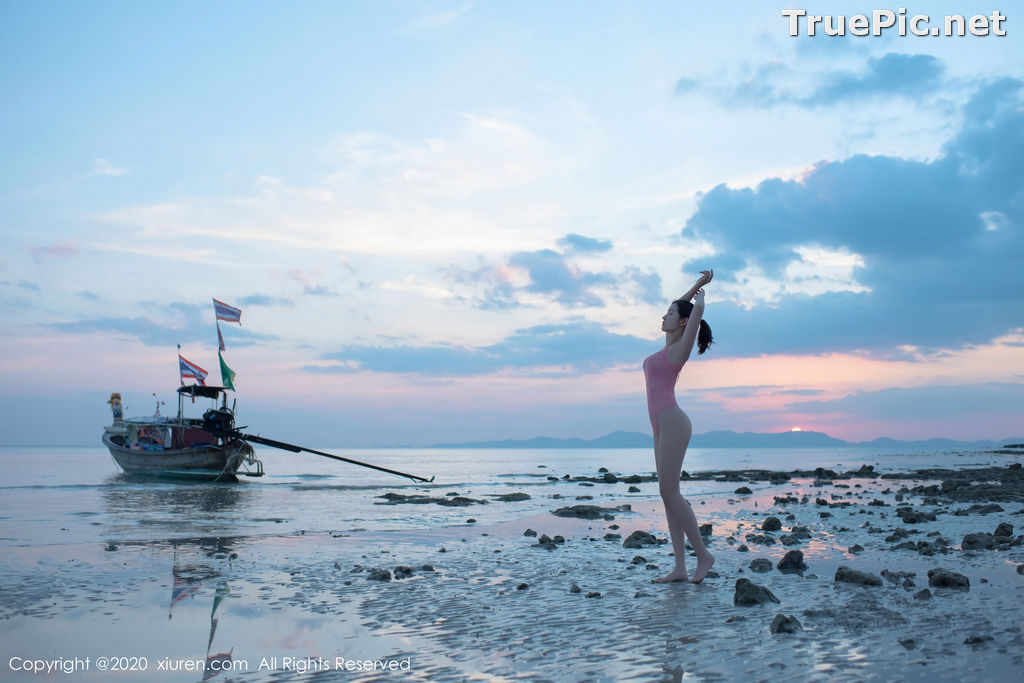 Image XIUREN No.2340 - Chinese Model Shen Mengyao (沈梦瑶) - Sexy Pink Monokini on the Beach - TruePic.net - Picture-5