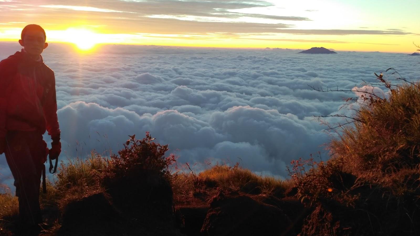 sunrise awan sumbing