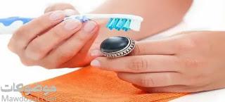طريقة تنظيف خاتم الفضة