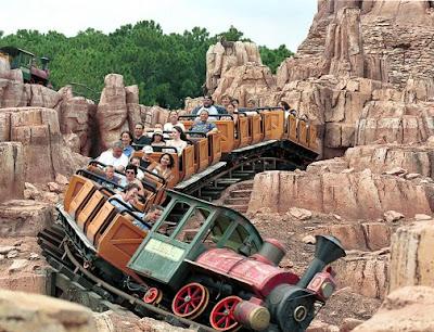 Thunder Mountain Railroad no Magic Kingdom em Orlando - Florida