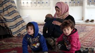 Hindari Hujan Bom, Masyarakat Sipil Suriah Berlindung di Masjid
