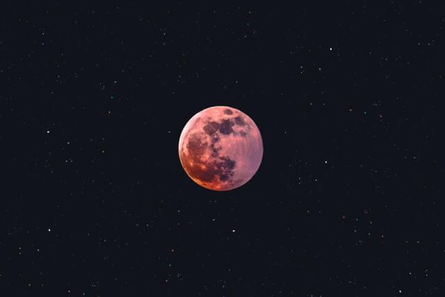Quantos humanos a lua poderia suportar