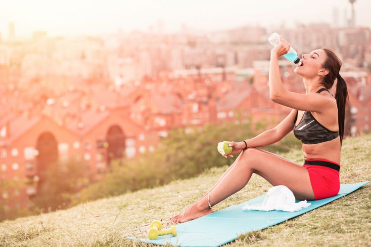 of eating after sport (Hi-Photo)