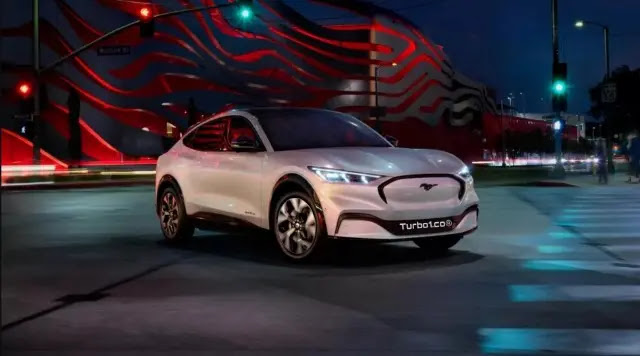 السيارة الرياضية فورد موستانج Mach E 2021 الكهربائية ذات الدفع الرباعي- تقرير كامل
