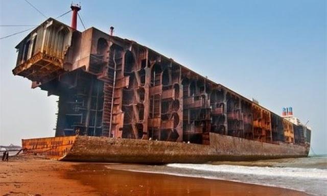 Ship containing hazardous material reaches Pakistan's Gadani, probe ordered