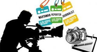Suka Duka Memiliki Pasangan Seorang Jurnalis