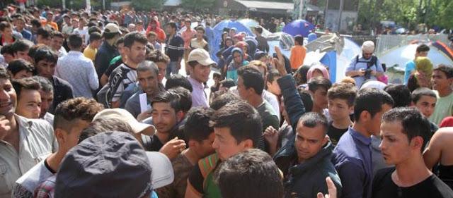 Δράμα: Λαθρομετανάστες εισέβαλαν σε εκκλησία και απείλησαν τον ιερέα με σουγιά!