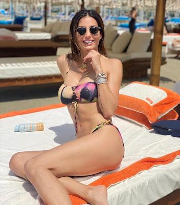 Elisabetta Gregoraci in Bikini spiaggia Twiga Beach Club Forte dei Marmi 29 maggio