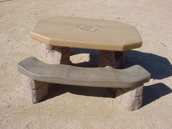 Step 2 Naturally Playful Picnic Table