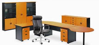 Aktifitas Di Meja Kantor